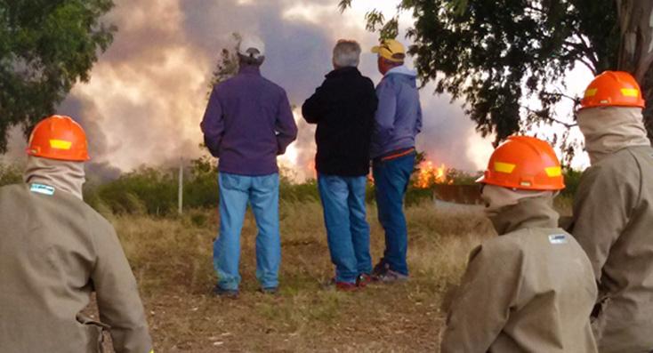 El incendio al norte de Madryn ya arrasó con 1100 hectáreas de campos
